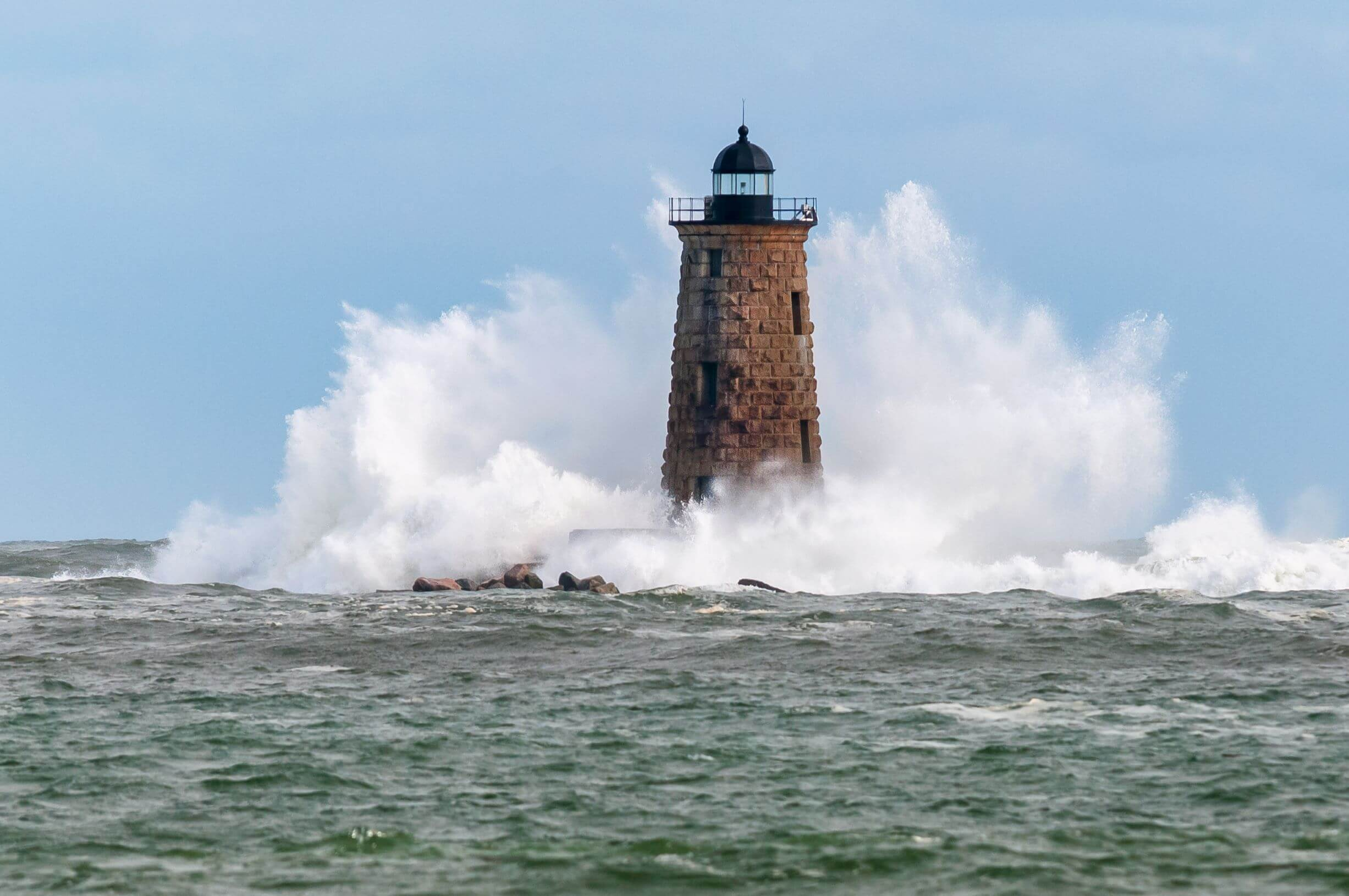 Lighthouse_Waves_shutterstock_1268454220_web